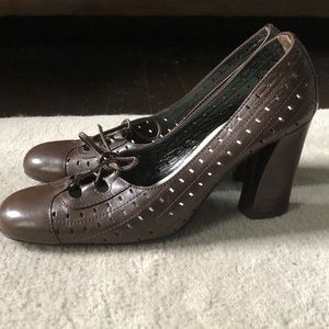 Sigerson Morrison Vintage-inspired Brown Pump 6.5